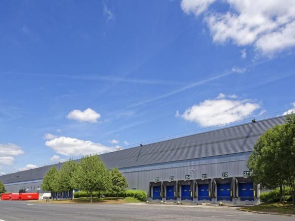 Location d'une surface de stockage de 12 000 m² au sein du parc logistique Prologis d'Evry Lisses